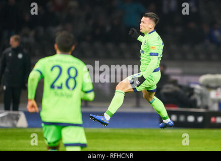 Berlin, Germant. 25th January 2019. Yevhen KONOPLYANKA, S04 11 celebrates his goal for  1-2 , happy, laugh,  HERTHA BSC BERLIN - FC SCHALKE 04 2-2  - DFL REGULATIONS PROHIBIT ANY USE OF PHOTOGRAPHS as IMAGE SEQUENCES and/or QUASI-VIDEO -  1.German Soccer League in Berlin, Germany, January 25, 2019  Season 2018/2019, matchday 19,  © Peter Schatz / Alamy Live News - Stock Photo