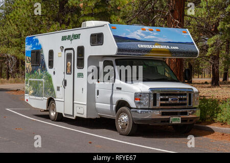 A Cruise America RV parked at the Point Imperial viewpoint, Grand Canyon North Rim, Arizona, United States. - Stock Photo