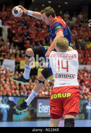 Herning, Denmark. 27th Jan, 2019. Handball: WM, final round, final, Denmark - Norway. Denmark's Anders Zachariassen (front) and Norway's Sander Sagosen fight for the ball. Credit: Axel Heimken/dpa/Alamy Live News - Stock Photo