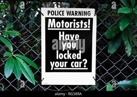 Motorists locked car security police warning - Stock Photo