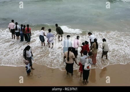 LKA, Sri Lanka : Capital Colombo, City center, GAlle Face Drive, Prommenade at the Indian Ocean. . - Stock Photo