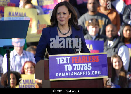 Oakland, California, USA. 27th Jan. 2019. U.S. Sen. Kamala Harris speaks during her first campaign rally outside Oakland City Hall on Jan. 27. Harris announced she is running for President of the United States on Jan. 21. Credit: Scott Morris/Alamy Live News - Stock Photo