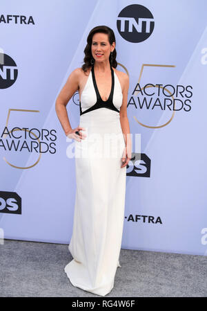 Los Angeles, USA. 27th Jan, 2019. Actress Miriam Shor arrives for the 25th Annual Screen Actors Guild Awards at the Shrine Auditorium in Los Angeles, the United States on Jan. 27, 2019. Credit: Li Ying/Xinhua/Alamy Live News - Stock Photo