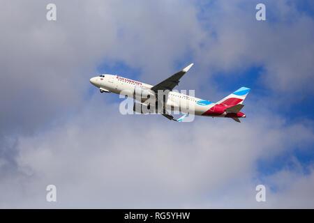 Eurowings aircraft in the sky, Airport DŸsseldorf-International, DŸsseldorf, North Rhine-Westphalia, Germany, Europe, Eurowings Flugzeug am Himmel, Fl