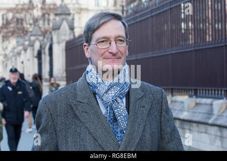 London, UK. 28th Jan, 2019. Dominic Grieve, Conservative MP for Beaconsfield, walks outside parliament on the day before MPs vote on amendments to the Withdrawl Act . Credit: George Cracknell Wright/Alamy Live News - Stock Photo