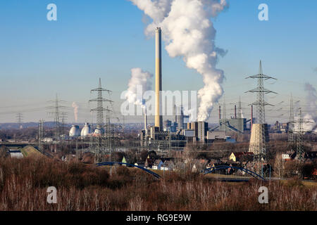Essen, Ruhr area, North Rhine-Westphalia, Germany - Industrial landscape in the Ruhr area, in the middle the RWE waste incineration plant Essen Carnap - Stock Photo
