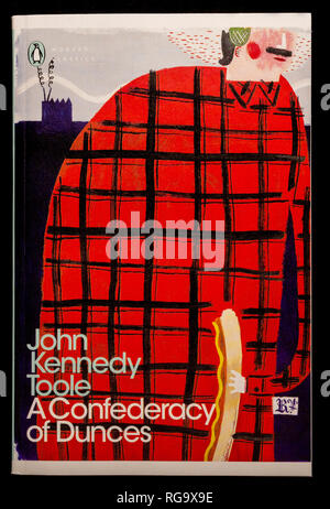 Book: A Confederacy of Dunces by John Kennedy Toole. Published by Penguin Modern Classics. - Stock Photo