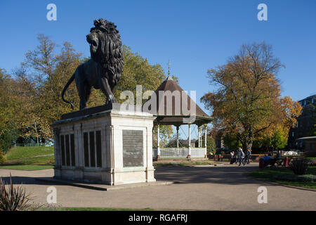 The Forbury Lion memorial in Forbury Gardens, Reading - Stock Photo