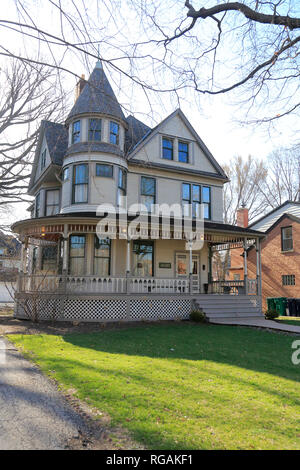 Ernest Hemingway's birthplace at 339 N. Oak Park Avenue.Oak Park. West of Chicago. Illinois. USA - Stock Photo