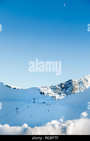 The top of the T-bar on the glacier of Blackcomb mountain, BC, Canada. - Stock Photo
