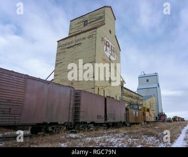 Mossleigh Grain elevators Alberta Canada - Stock Photo