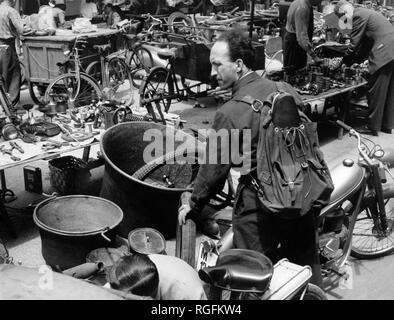 Italy, Lombardy, Milan, fair senigallia, via calatafimi, 1955 - Stock Photo