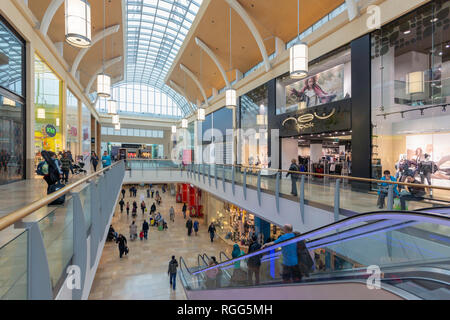Cardiff, South Glamorgan, Wales, United Kingdom.  Queens Arcade shopping centre. - Stock Photo