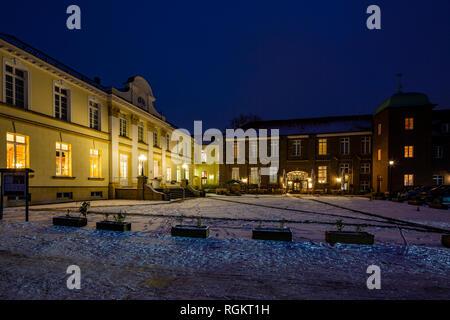 Germany, North Rhine-Westphalia, D-Herten-Westerholt, Old Village Westerholt, Alte Freiheit Westerholt, moated castle, castle hotel and restaurant - Stock Photo