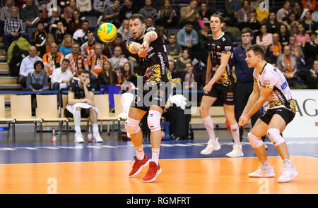 Berlin, Germany. 30th Jan, 2019. Volleyball, Men: Champions League, Berlin Volleys - Lotos Trefl Danzig, 4th round, Group D, 4th matchday. Nikola Mijailovic from Gdansk accepts the ball. Credit: Andreas Gora/dpa/Alamy Live News - Stock Photo
