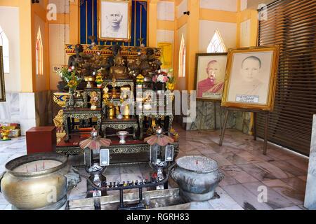 Grabstaette fuer Moenche, Tempel Wat Phra Thong, Phuket, Thailand - Stock Photo