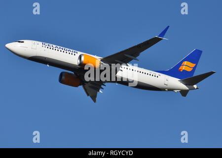ICELANDAIR BOEING 737-MAX8 TF-ICE 'Jokulsarlon' DEPARTS LONDON GATWICK AIRPORT. - Stock Photo