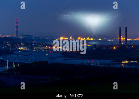 Power Station, Solar Farm, View, River Medina, Medham, Cowes, Solent, Fawley, Southampton, Isle of Wight, England, UK, - Stock Photo