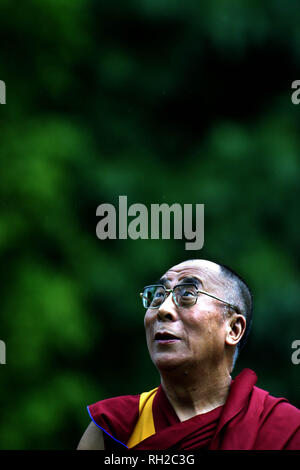 His Holiness the Dalai Lama pictured addressing the crowds at a special ceremony in Pittencrieff Park, Dunfermline during his week-long visit to the United Kingdom, his first for five years, which ends today. - Stock Photo