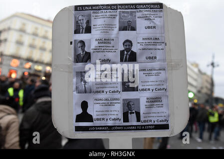 Madrid, Spain. 31st Jan, 2019. A banner is seen during a protest in Madrid to demand increased regulation for rental vehicles with drivers (VTC). Credit: Jorge Sanz/Pacific Press/Alamy Live News - Stock Photo