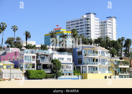 USA, California, Santa Monica: villas along the waterfront - Stock Photo