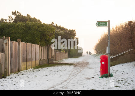 Ferring west Sussex, UK. Friday 1 st Febuary. UK weather. After moderate snowfall last night Ferring wakes to snow covered beaches. Â Credit: Photovision Images News/Alamy Live News - Stock Photo