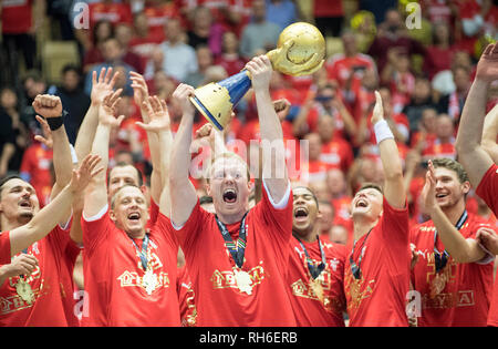 Award Ceremony jubilation Team DEN (1st place), Anders ZACHARIASSEN (DEN) with the cup, Final, Norway (NOR) - Denmark (DEN) 22: 3, on 27.01.2019 in Herning/Denmark Handball World Cup 2019, from 10.01. - 27.01.2019 in Germany/Denmark.   usage worldwide - Stock Photo