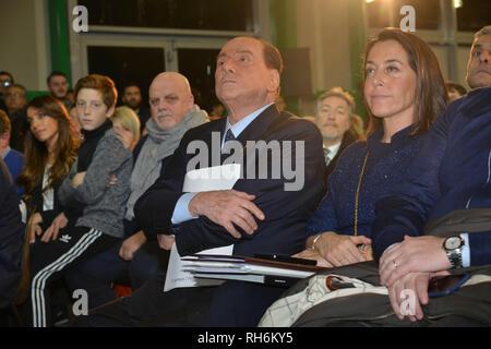 Foto Fabio Urbini /LaPresse 01 Febbraio 2019 Pescara (PE) Italia Politica  Pescara porto Turistico Nella foto: Berlusconi Silvio seduto in sala - Stock Photo