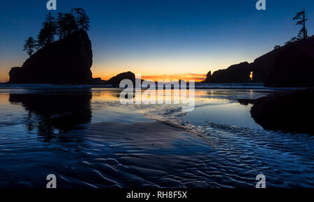 another sunset-shot from second-beach, Olympic Peninsula - Stock Photo