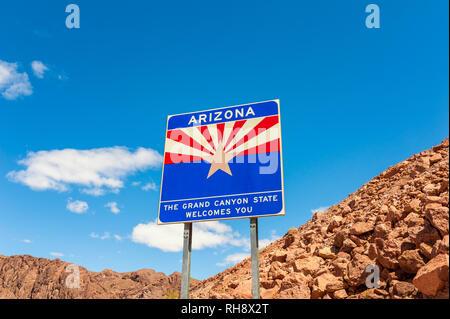 Welcome to Arizona Road Sign, on the border of U.S. States Arizona and Nevada - Stock Photo