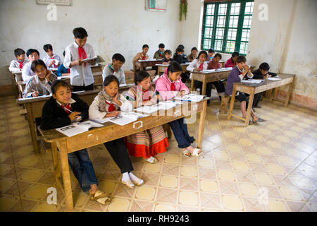 nr. Bac Ha, Vietnam; Thai Ha Pho village school. - Stock Photo