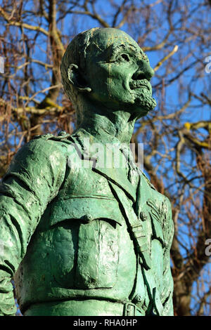 London, England, UK. Statue (1956; Jacob Epstein) of Field Marshal Jan Christian Smuts (1870-1950; introduced Apartheid in South Africa) in Parliament - Stock Photo