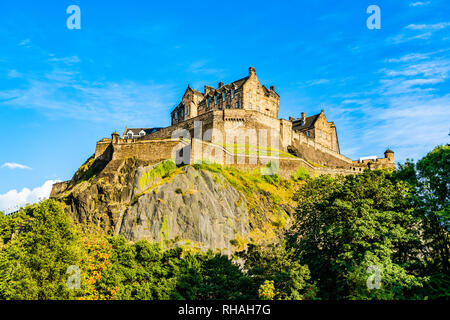 Edinburgh, Scotland, UK: The Edinburgh Castle dominates the skyline of the city of Edinburgh from its position on top of the Castle Rock - Stock Photo