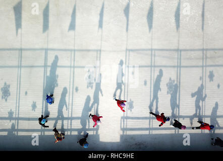 Beijing, China. 10th Jan, 2019. Aerial photo taken on Jan. 10, 2019 shows students practicing during a training session at Taipingzhuang Central Primary School, in Yanqing District of Beijing, capital of China. Credit: Ju Huanzong/Xinhua/Alamy Live News - Stock Photo