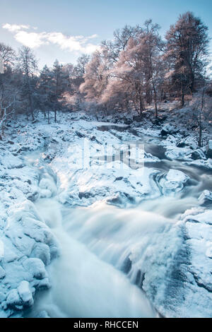 Aberdeenshire, Scotland, UK. 2nd Feb, 2019. Snow covered Falls of Feugh, Banchory, Aberdeenshire, Scotland. Credit Paul Glendell Credit: Paul Glendell/Alamy Live News - Stock Photo