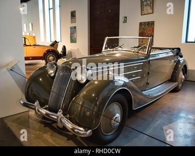 1934 Lancia Dilambda, 4000cc V8 100HP. 'Mussolini´s Parade Car'. Automobile museum of Málaga, Spain. - Stock Photo