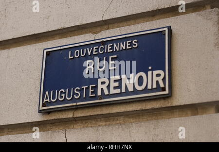 AJAXNETPHOTO. 2008. LOUVECIENNES,FRANCE. - STREET IN THE VILLAGE NAMED FOR THE ARTIST PIERRE AUGUSTE RENOIR 1841 - 1919. PHOTO:JONATHAN EASTLAND/AJAX REF:D82912 1904 - Stock Photo