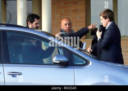 Speaker of the Catalan regional Parliament Roger Torrent (L) arrives at the Soto del Real prison in Madrid, Spain, 04 February 2019. A total of nine Catalan pro-independence suspects were moved to Madrid last week to attend their trial beginning on 12 February. EFE/ Juan Carlos Hidalgo - Stock Photo