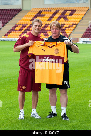 New Motherwell FC signing, Nicky Law is unveiled at Fir Park with manager Stuart McCall.  Lenny Warren / Warren Media  07860 830050 01355 229700 lenny - Stock Photo