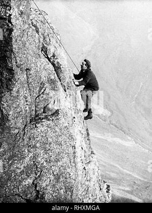 Climbing Eagle's Nest Arete, Great Gable  Lake District - Stock Photo