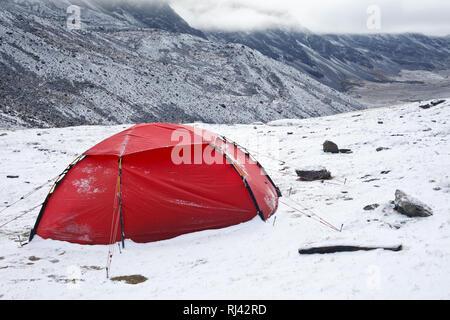 Bolivien, Cordillera Apolobamba, Zelt, Schnee, - Stock Photo
