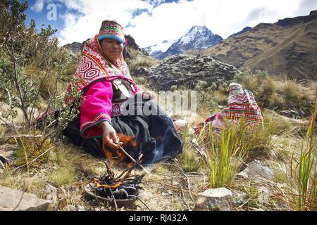 Bolivien, Cordillera Apolobamba, Kallawaya, Zeremonie, Tracht, - Stock Photo