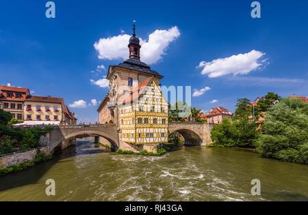 Deutschland, Bayern, Oberfranken, Fr?nkische Schweiz, Bamberg, Altstadt (UNESCO Welterbe), Linker Regnitzarm und Altes Rathaus, - Stock Photo
