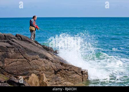 Hobbyangler am Meer - Stock Photo