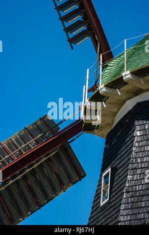 Europa, Deutschland, Mecklenburg-Vorpommern, Boiensdorf, Stover Holländer-Windmühle (Baujahr 1889, in Betrieb bis 1977) nordöstlich der Insel Poel - Stock Photo