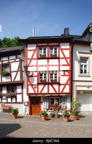 Römerstraße, Altes Haus in der Altstadt von Bernkastel, Bernkastel-Kues, Rheinland-Pfalz, Deutschland - Stock Photo