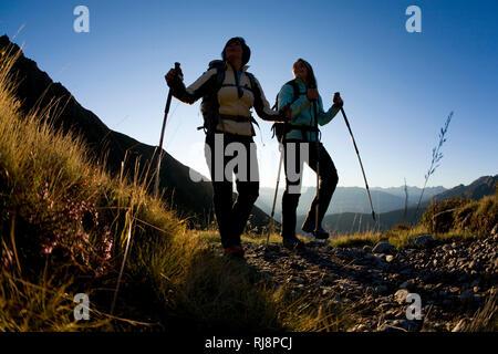 Wanderszene am Kellerjoch, Tuxer Alpen, Zillertal, Tirol, Österreich - Stock Photo