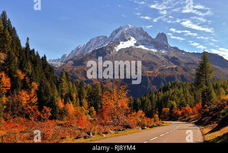 The high mountains of Haute Savoie in autumn. French Alps near Vallorcine, Chamonix-Mont-Blanc, France. - Stock Photo