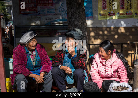 People, Friday market in Shaxi, a historic market town, Yunnan, China - Stock Photo