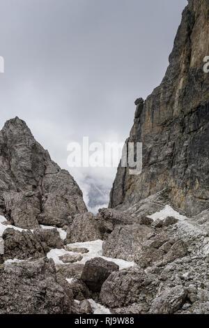 Österreich, Tirol, Stubaier Alpen, Neustift, Felsen im Wandergebiet der Elferspitze - Stock Photo